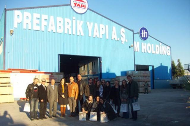 prefabrik-yapi-fabrika-halic-universitesi-ogrencileri