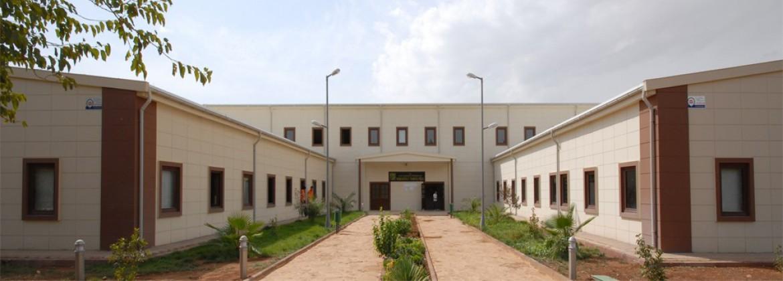 مباني المدارس المنشأة بنظام حديد الصلب الخفيف