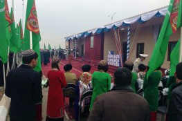 ساحة المعيشة الإجتماعية لموظفي معسكرات الحدود بدولة توركمنستان